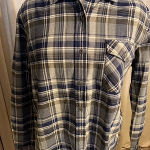 Women's North Face flannel.